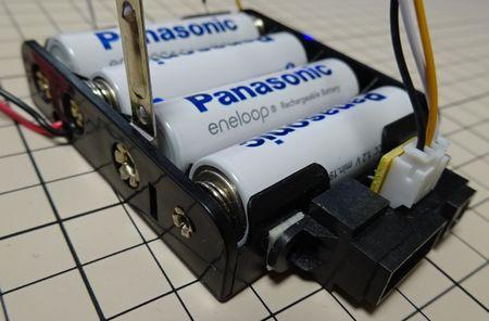 電池ボックスと距離センサ画像